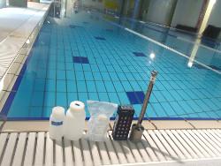 プール水サンプリング