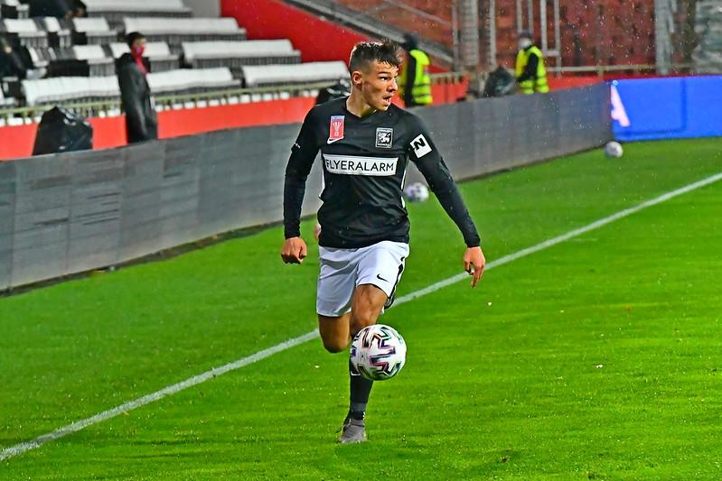 Der Rückkehrer Marco Hausjell zeigt an der Linie seine Stärke