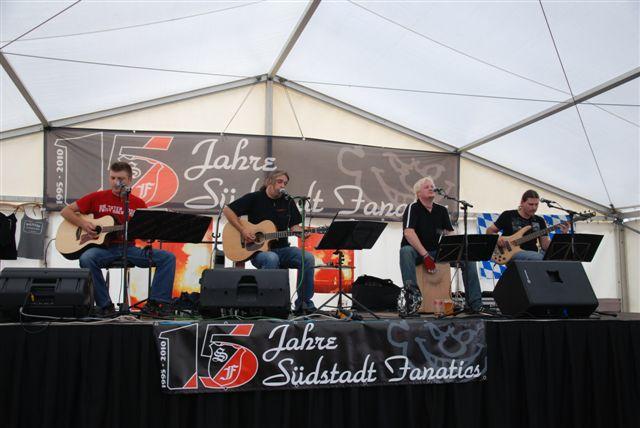 """Manfred mit seiner legendären Band """"Solitude Acoustic Jam"""" bei der 15 Jahres Feier!"""