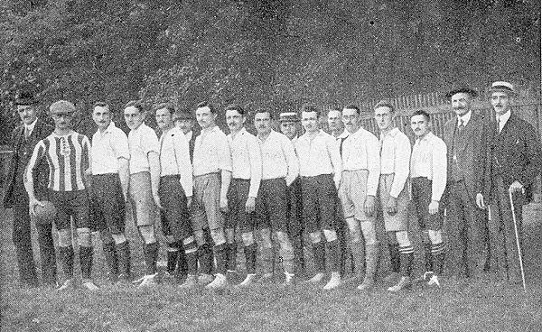 Gründungsmannschaft Wacker im Jahr 1909