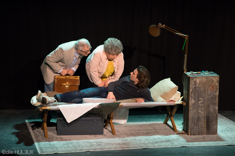 Théo (Pierre Boulben), Philippe Ledoux (Serge Gelly) et Hortensia (Josée Laprun)