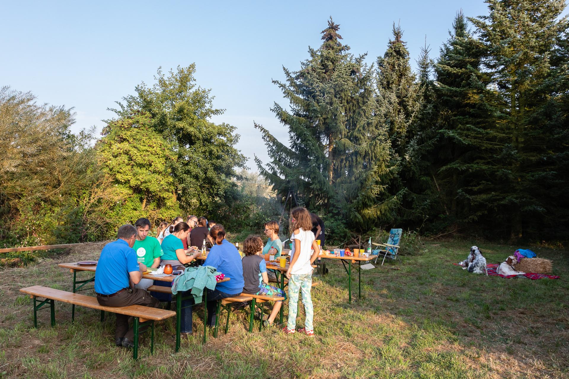 Abendessen mit gemütlichem Beisammensein (Foto: Andreas Sebald)