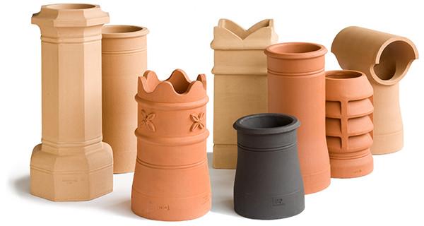 Historische Kaminaufsätze aus Ton, Terracotta, Keramik