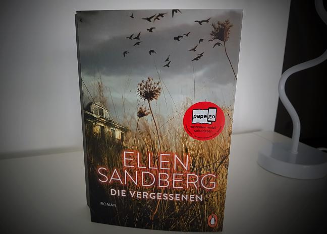 """Buchcover """"Die Geschichte der Bienen"""" von Maja Lunde"""