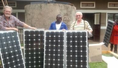 4 Solarpaneele für die Taubblindenschule