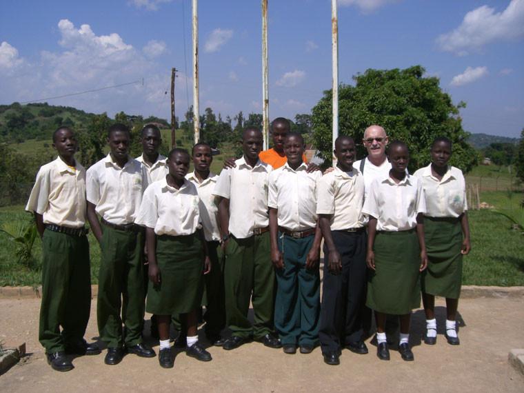 ...die jetzt von ehemaligen Schüler unserer Schule St. Mark VII in Bwanda (Masaka) besucht werden.