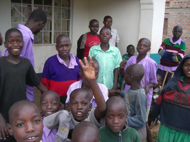 ...denn sie wissen, dass Dank Ihrer großzügigen Spenden nun auch dieser Schule geholfen werden kann.
