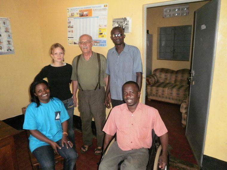 Dann ging es 350 km nördlich durch das ehemalige Krisengebiet nach Gulu, wo wir wichtige Informationen mit den Leitern des Behindertenverbandes sowie des Deaf Associations Centers austauschten, ...