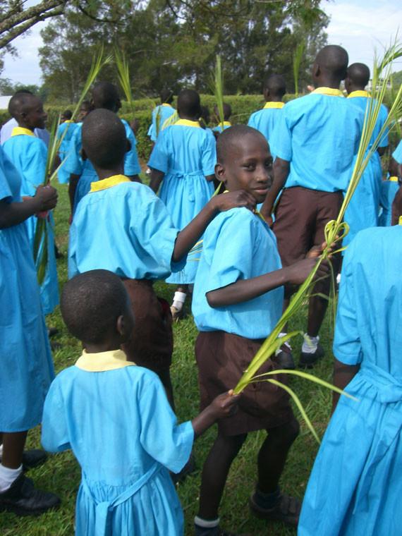 Im überwiegend von Christen bewohnten Uganda wird jeder Feiertag traditionell gefeiert, ...