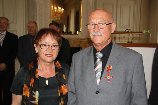 Gerhard Ehrenreich mit Bürgermeisterin Frau Marion Schäfer