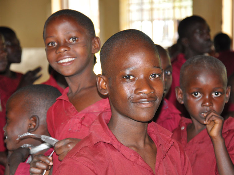 Dass die Kinder in Bwanda so schön lächeln können, ...