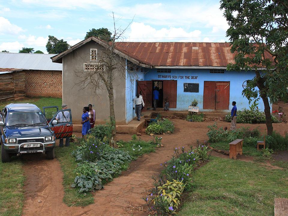 Am nächsten Tag fahren wir nach Mityana, 70 Kilometer westlich von Kampala, zur...