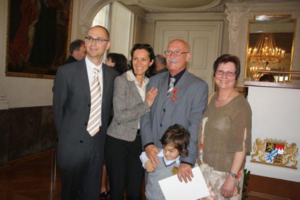 Familie Ehrenreich: links Sohn Oliver, Tochter Alexandra, Enkel Miles, rechts Frau Doris