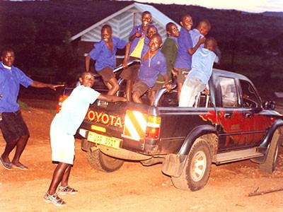 Auto mit Kindern drauf