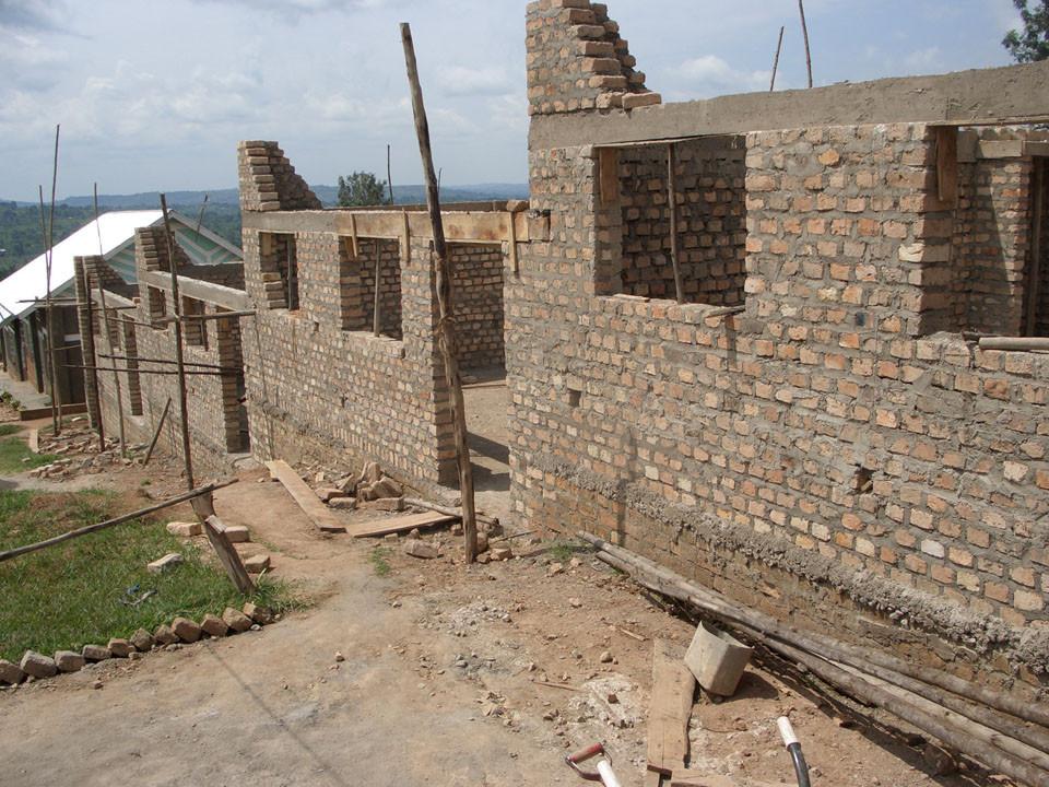 Im Oktober 2008 wurde mit dem Bau begonnen, hier haben wir schon Ende November 2008.