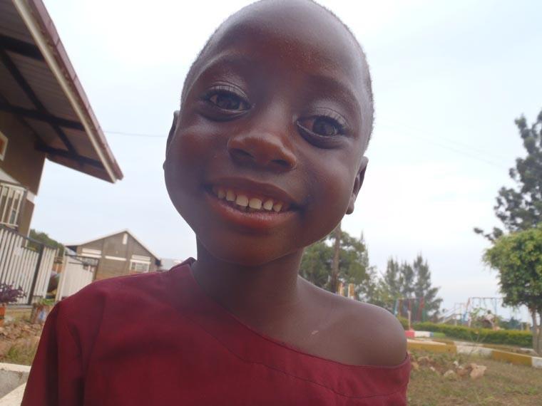 ...und hat damit auch wohl dieses Lächeln bei diesem Mädchen, welches an dem Usher Syndrom leidet, hervorgezaubert.