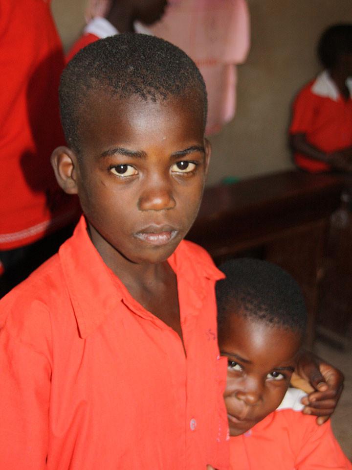...haben wir die Absicht, auch diese Schule zu unterstützen, sind da aber auf zusätzliche Spenden angewiesen.
