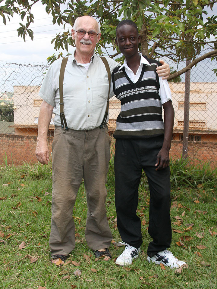 ...wo Gerhard Ehrenreichs langjähriges Patenkind Trevor zur Schule geht, ...