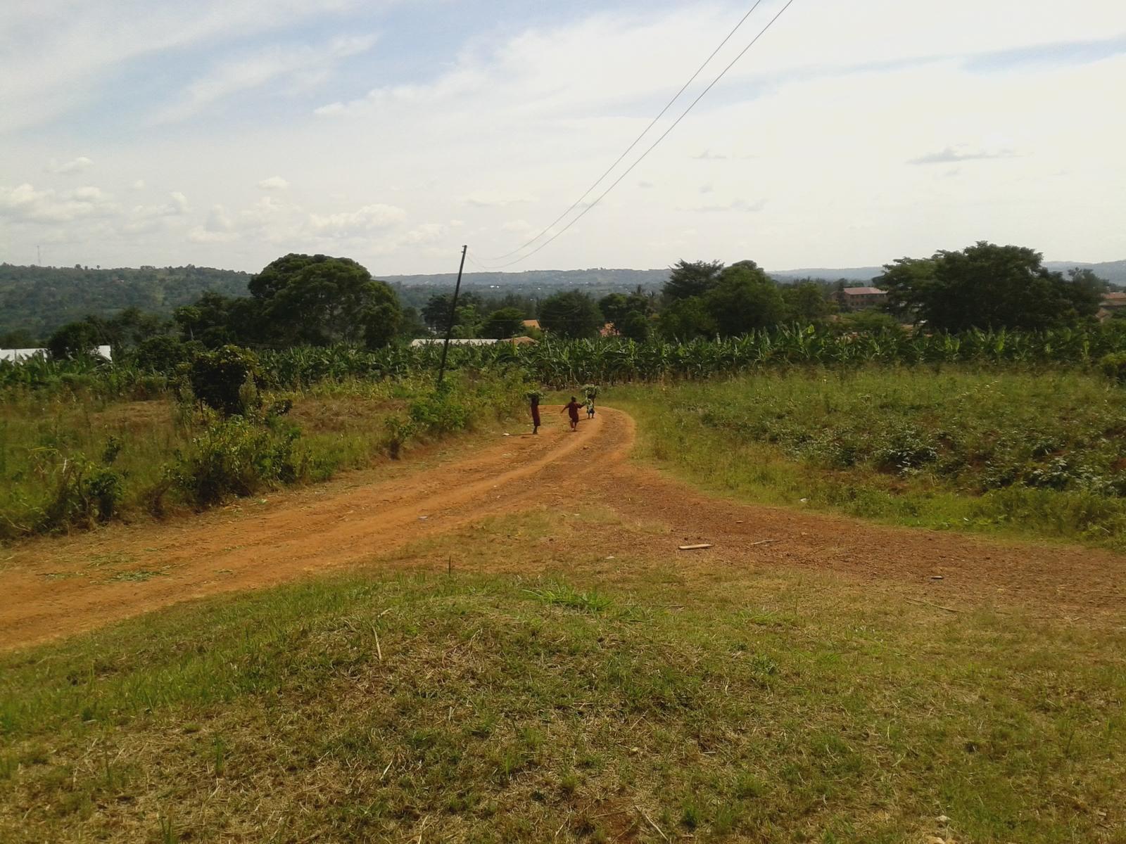 Blick von der Schule in Bwanda in Richtung Konvent