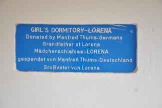 """Das Mädchenschlafgebäude erhielt den Namen """"Lorena"""" nach der Enkelin vom Spender Manfred Thums"""