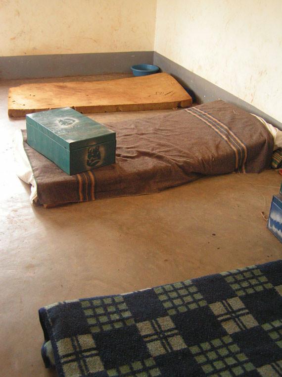 ...unter anderem neue Betten für die Kinder finanzieren.