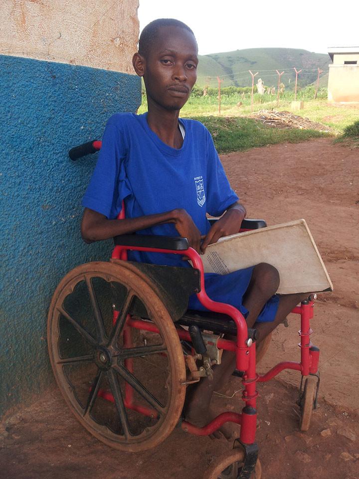 Zu Besuch in Ntungamo, der zweiten von uns geförderten Schule, wo Gehörlose und andersweitig Behinderte unterrichtet werden.