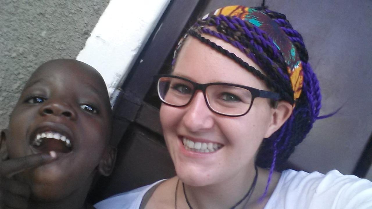 Afrikanische Haare mit Maria