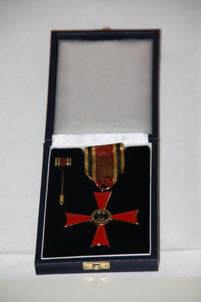 """Das """"Verdienstkreuz am Bande"""" in seinem Glanze"""