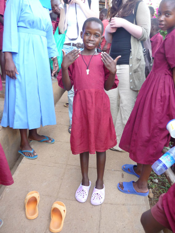 Auch die gehörlosen Kinder sind sehr dankbar für den Segen, ...