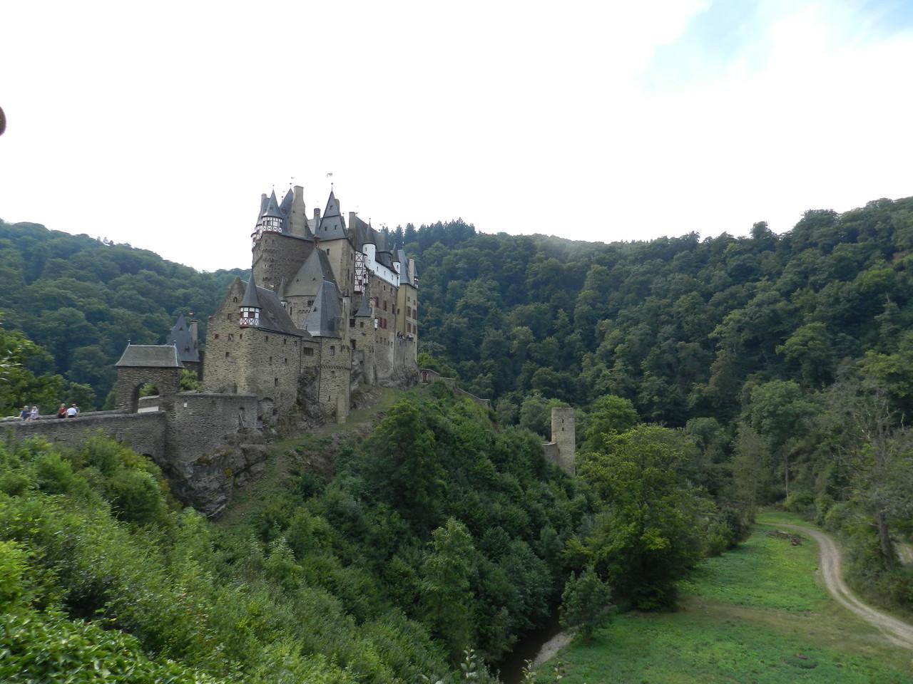 """Burg Eltz (ein Schauplatz aus meinem Roman """"Jennas Rache"""")"""