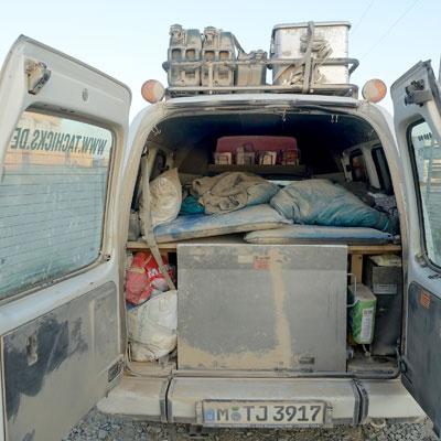 Das Ergebnis kasachischer Straßen und nicht schließender Hecktüre