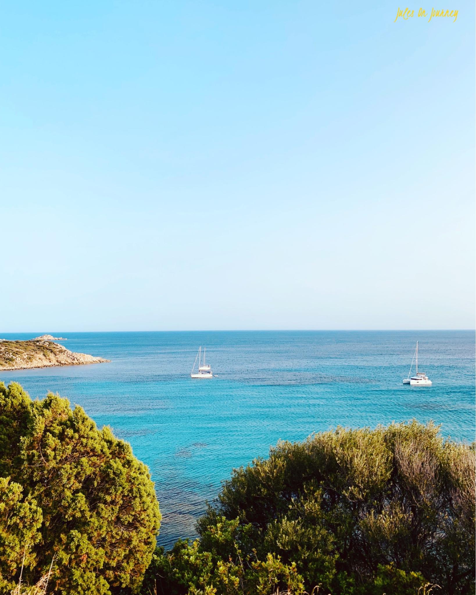 Blick auf eine Bucht von der Küstenstraße Richtung Teulada.
