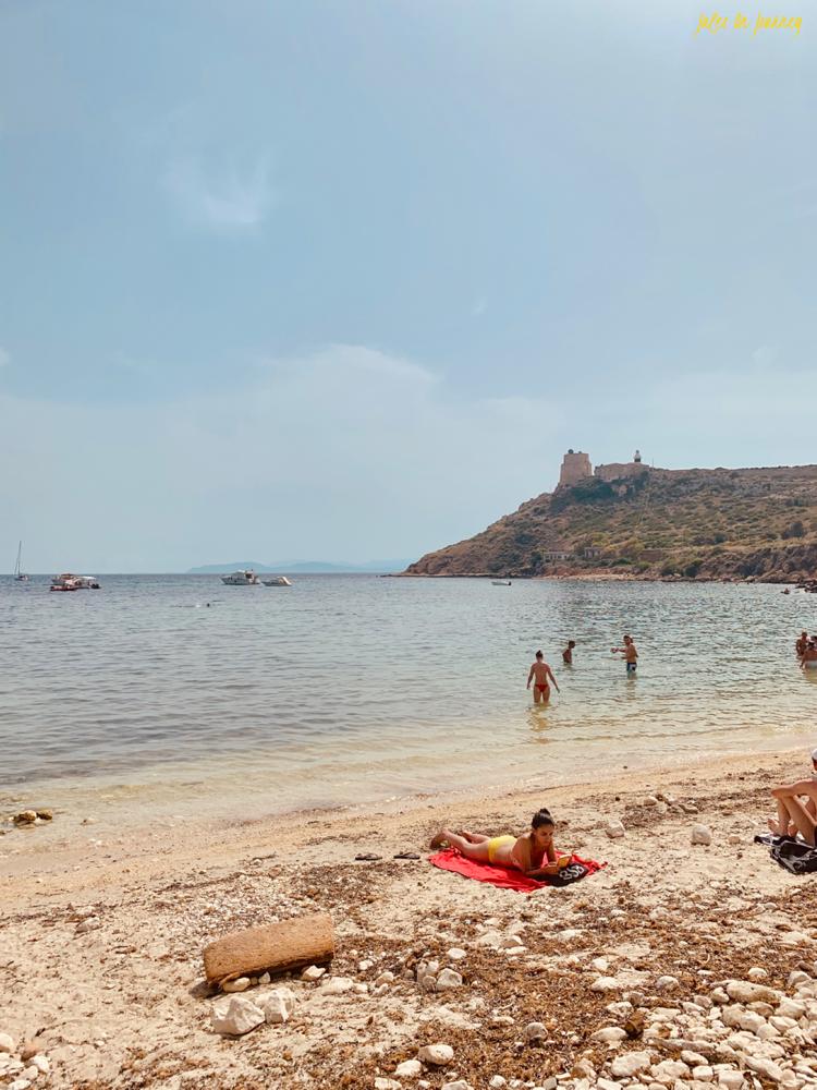 Der Calamosca Beach ist nur einen Katzensprung von der Stadt Cagliari entfernt.