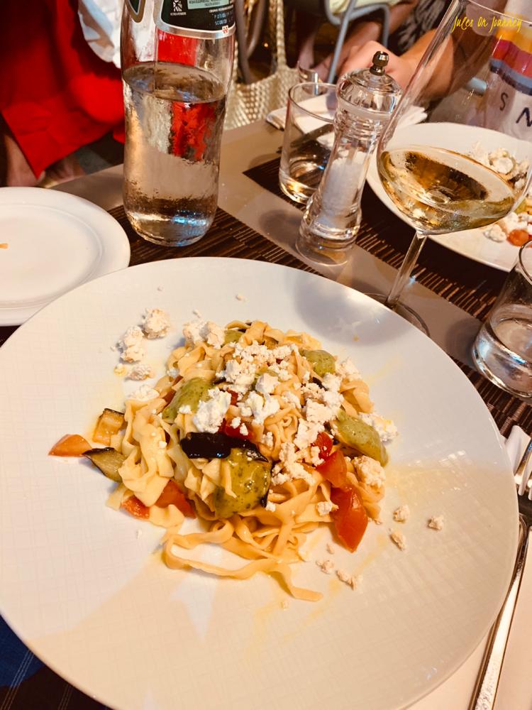 """Im Restaurant """"Osteria Moderna"""" haben wir sehr lecker gegessen! Empfehlung! Es liegt schön ruhig in einer Seitenstrasse in der Nähe der Piazza Yenne."""