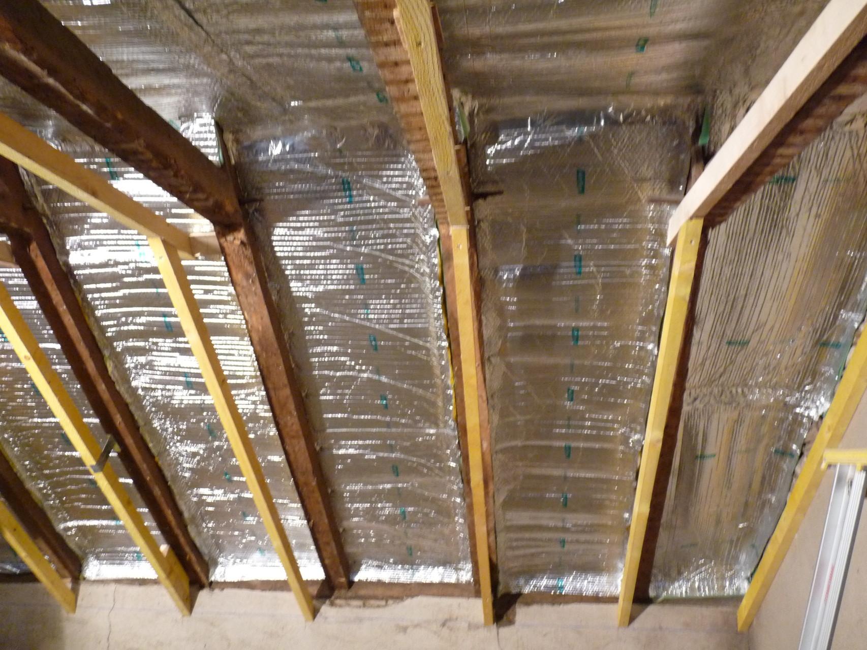 Artisan fabricant et poseur escaliers , menuiseries et isolation intérieur.