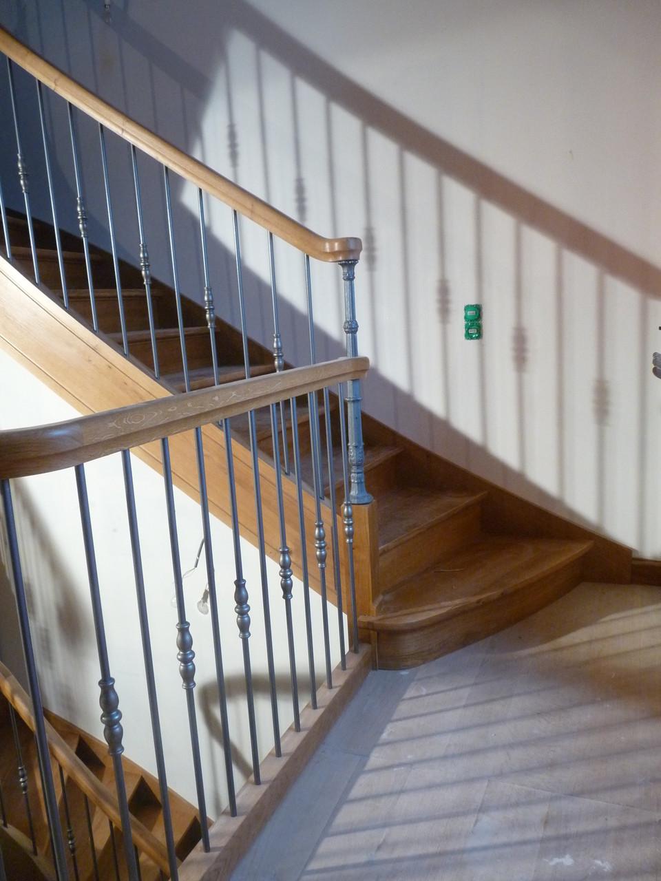 Entreprise MARTY Joël - Aveyron (12) - Escalier débillardé en chêne