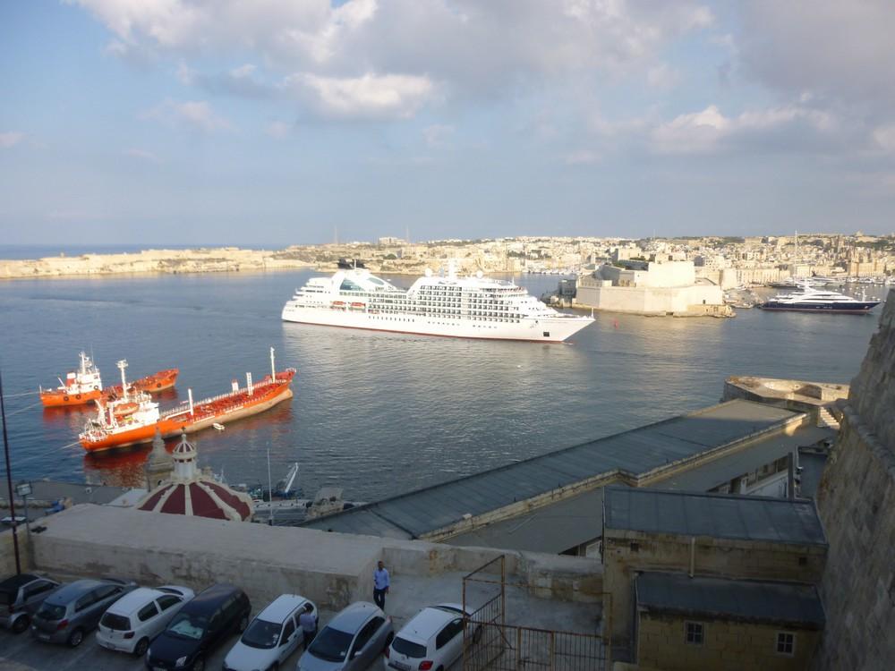 """l'horreur de la mediterranée : les """"croisieristes arrivant le matin"""
