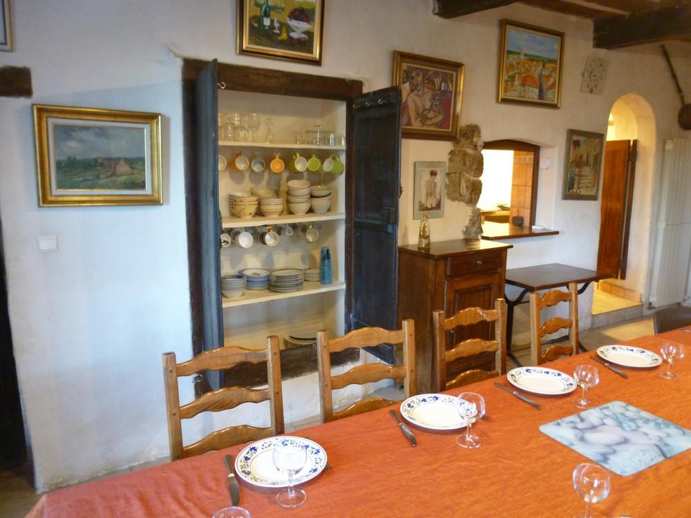 Le buffet cévenol (dans l'épaisseur du mur)