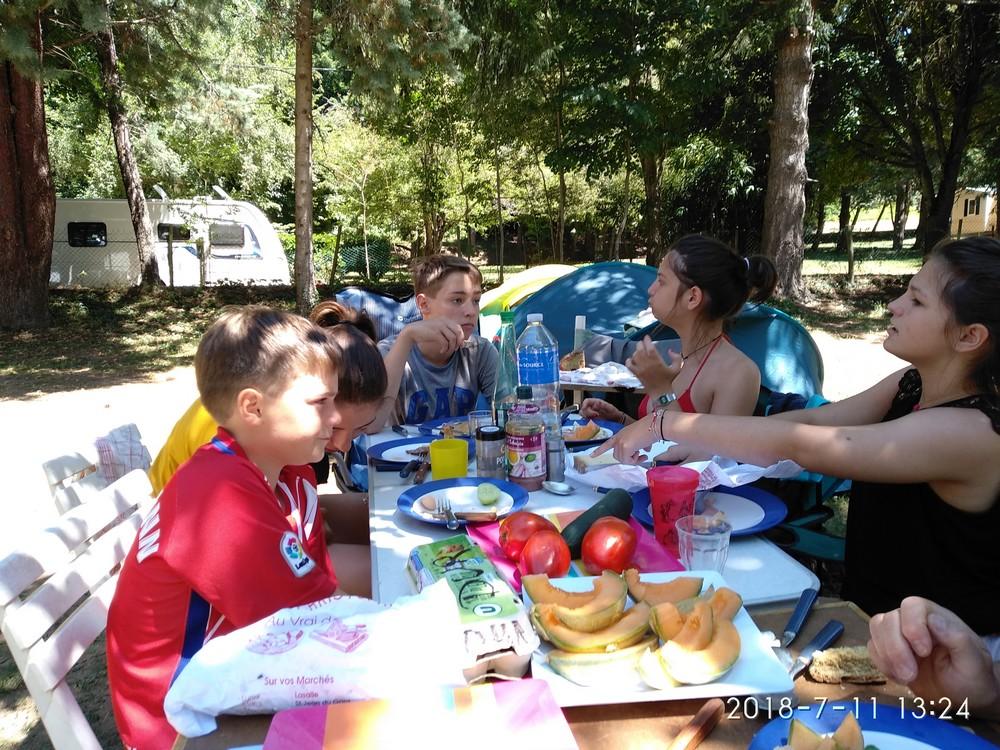 Déjeuner au Manouche (des pates à la carbonara)