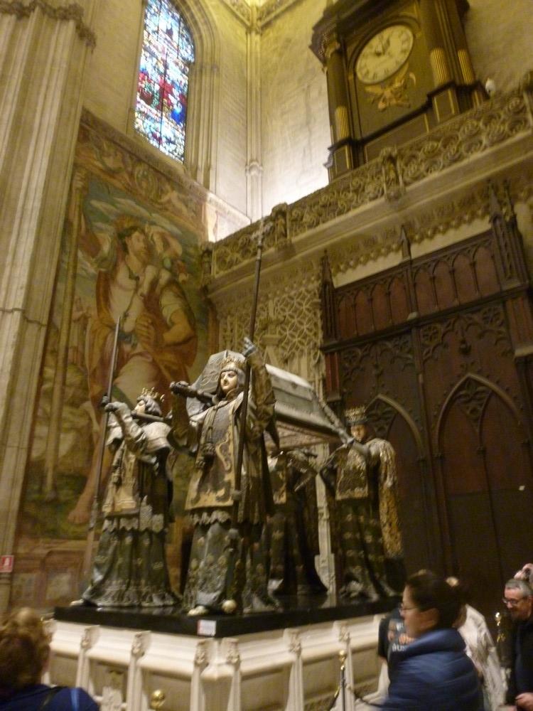 le tombeau de Christophe Colomb (dans la cathédrale)