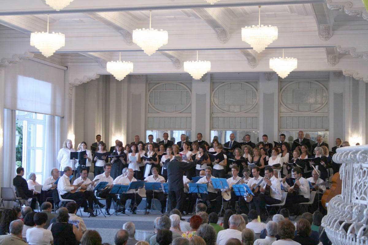 """ANZIO - 10/6/2007 - Orchestra Mand. R. e  Coro dell'Università Popolare di Roma (UPTER)  - ex Casinò (""""Palazzo Paradiso sul Mare"""") - (direttore Franco Turchi)"""
