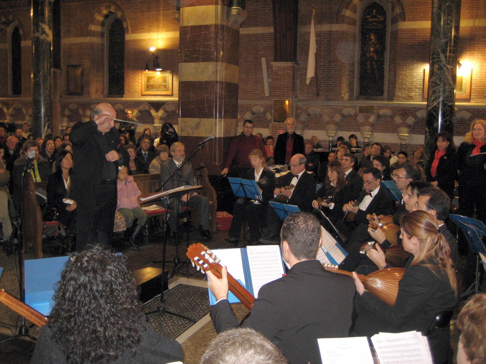 Roma 8/2/2007 - Chiesa All Saints - Orchestra Mand. R.  e  Coro dell'Università Popolare di Roma (UPTER) - (direttore Franco Turchi)