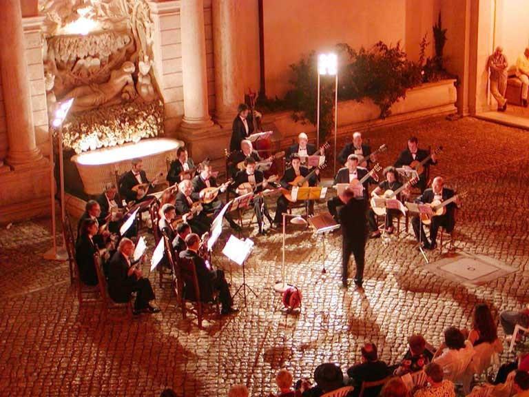 Tivoli (Roma) - 18/7/2004 - Chiostro di Villa D'Este