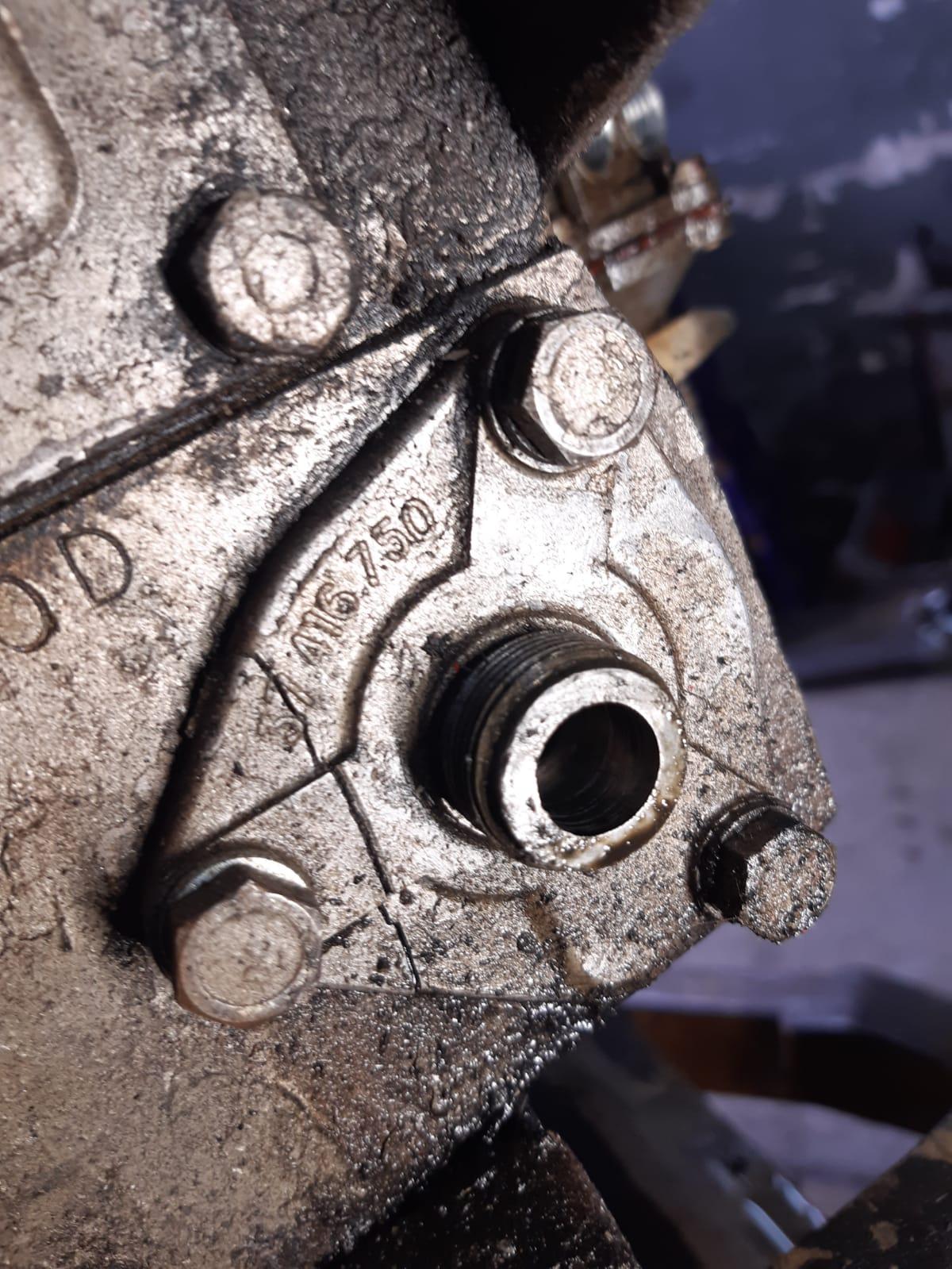 Antriebgehäuse vom Winkelgetriebe für Traktormeter war gebrochen, wird natürlich ersetzt.