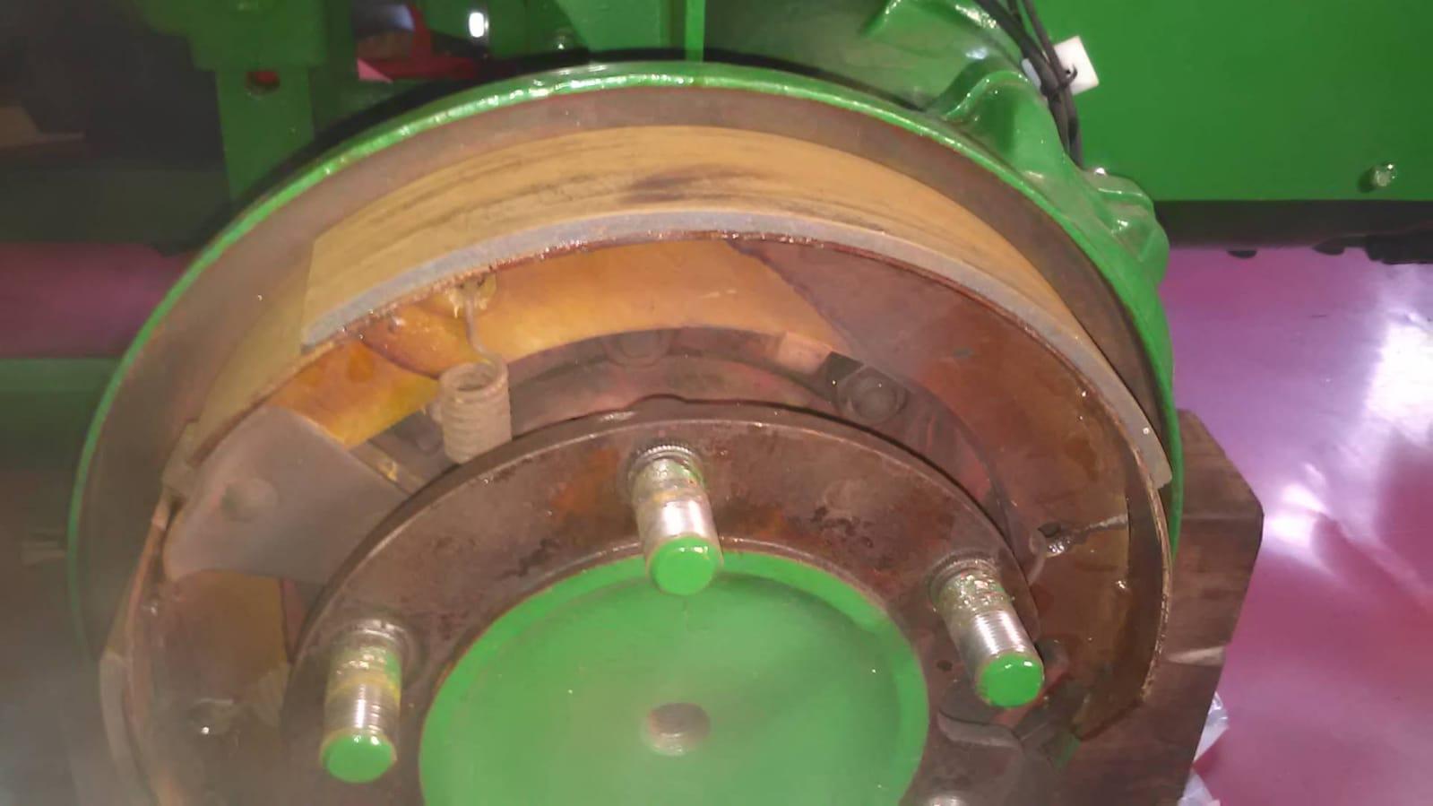 So sieht es hinter der Bremstrommel nach keine 5 Kilometer aus, das kann es......