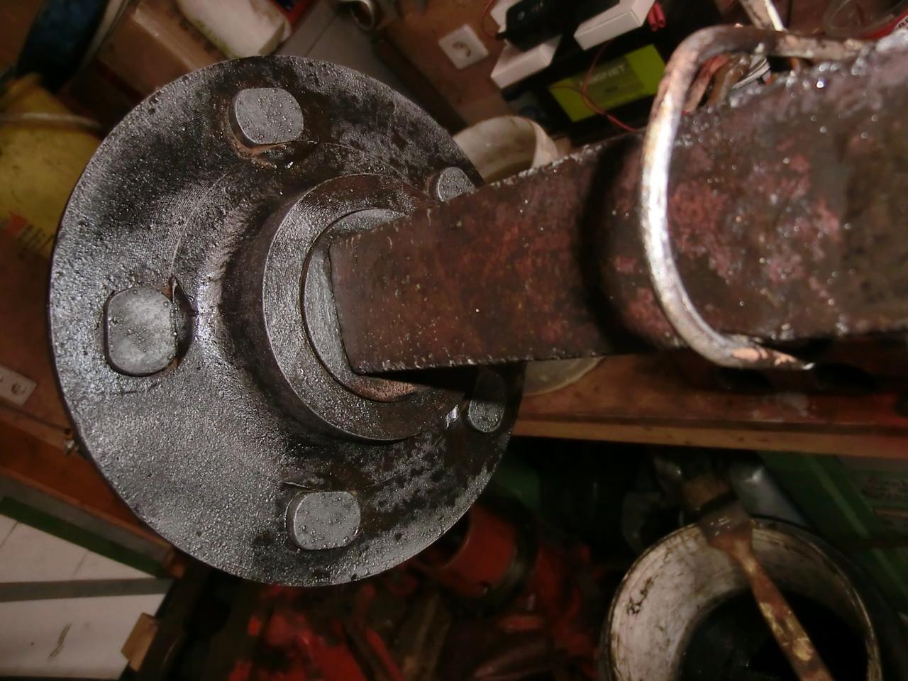 Alle Eisenteile gereinigt, teilweise chemische konserviert, grundiert und lackiert