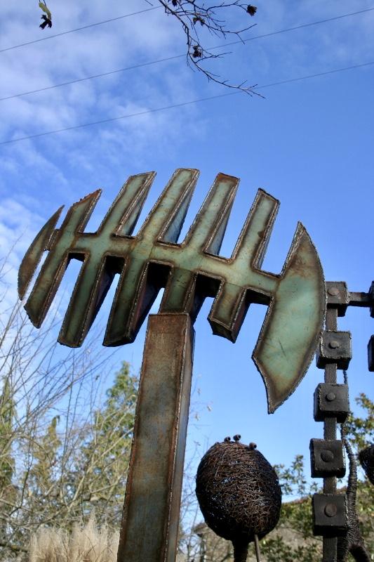 """Art en Cenne à Cenne-Monestiés la sculpture """"Kaméleon"""" (2011)"""