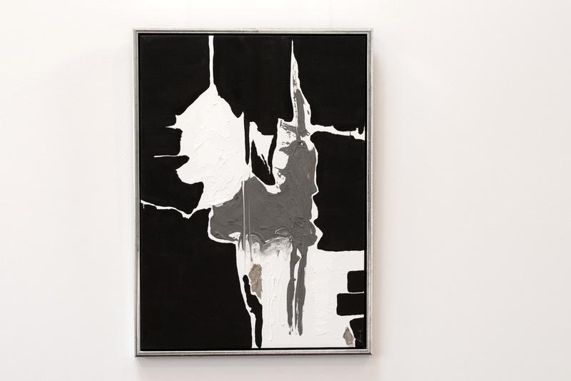 Tricolore in Schwarz, Weiß & Grau, Künstlerin Uschi Heubeck, Exponat auf Foto 70x50 cm, mit Asche 430 € / ohne Asche 280 €