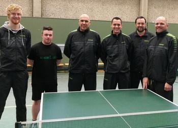 Meister in der 2. Bezirksliga: Tobias Terschanski, Henrik Witsch, Jürgen Füllmann, Oliver Schumacher, Dennis Möhren und Robert Füllmann