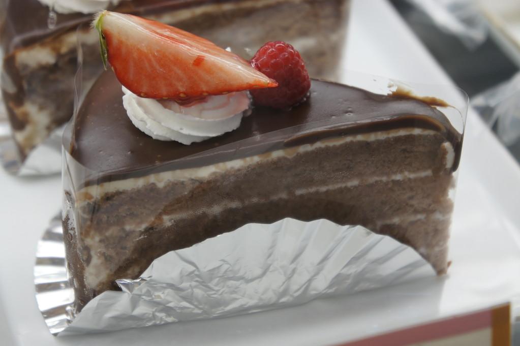 松月堂チョコレートケーキ